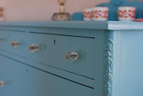 dresser1-0109