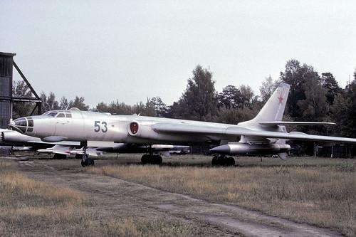 53r Tu-16
