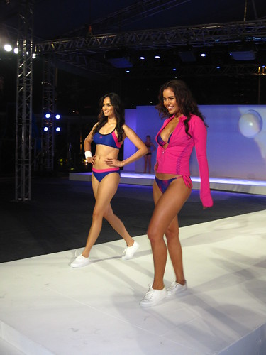 Speedo Spring-Summer 2012: sporty two-piece suits