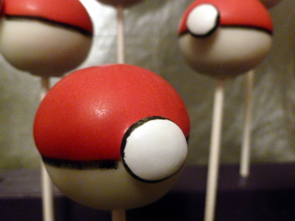 Pokemon Ball Cake Pop