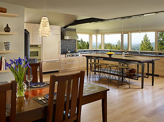 Dining and Kitchen by FINNE Architects