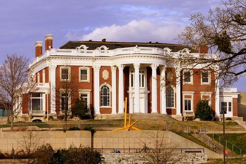 Faxon-Thomas Mansion