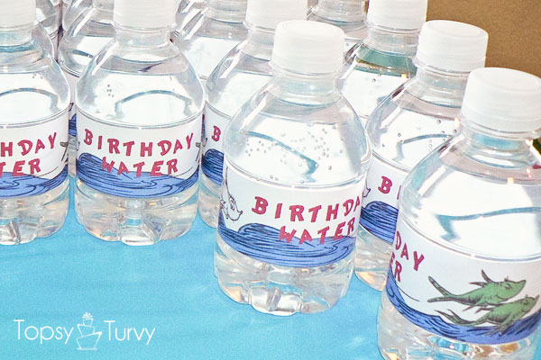 seuss-cat-hat-birthday-party-water-bottles