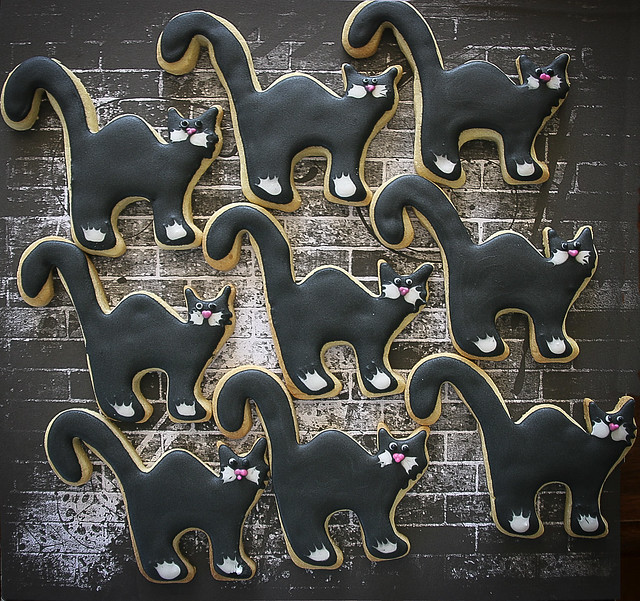 Black Cats Iced Cookies