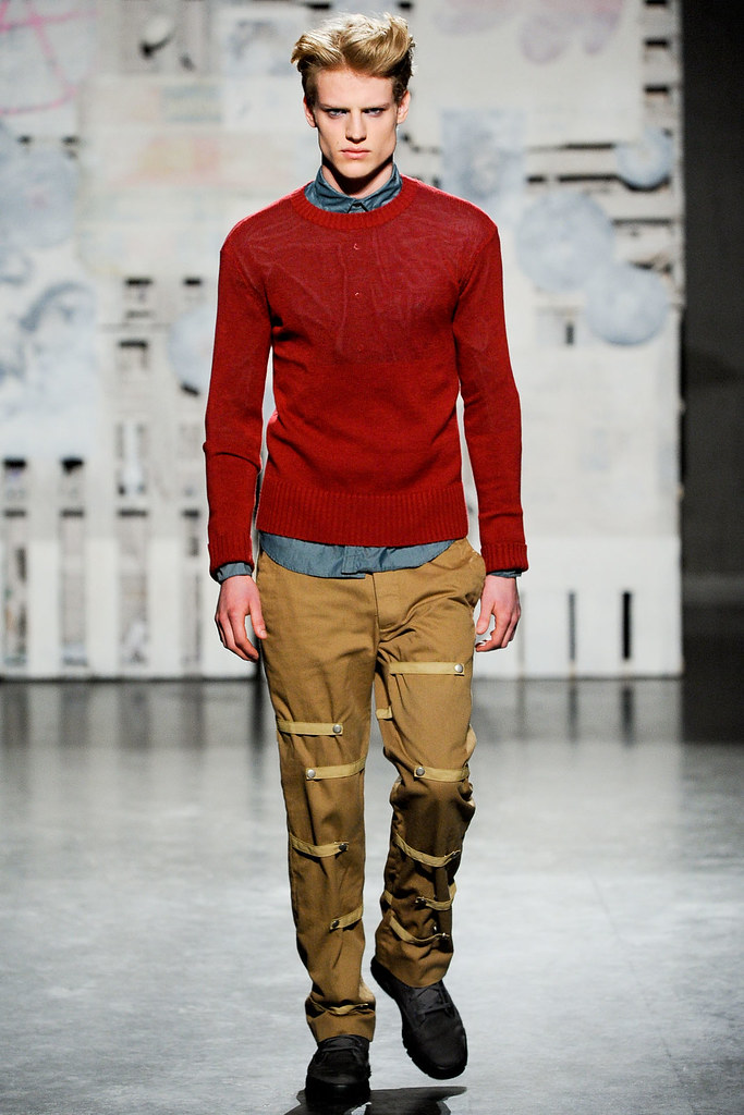 FW12 New York Loden Dager015_Richie Cotterell(VOGUE)