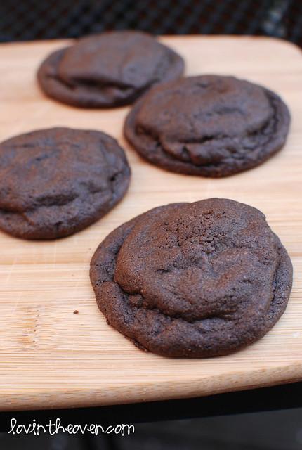 stuffedmintcookies-7