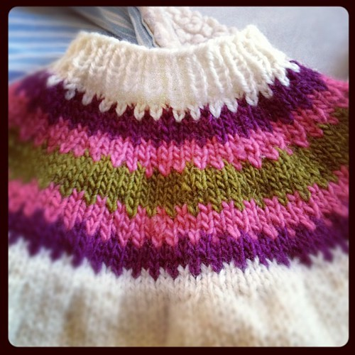 Lazy day #knitting my feb is for finishing projects.  #happyincle #yarn #knit