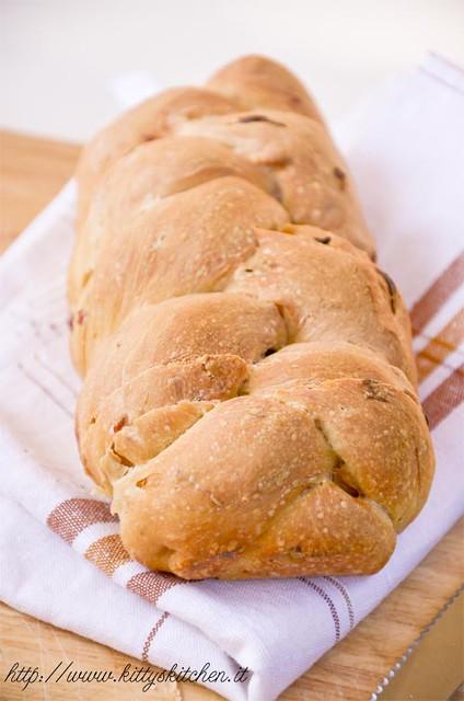 pane al kefir con cipolla e pancetta