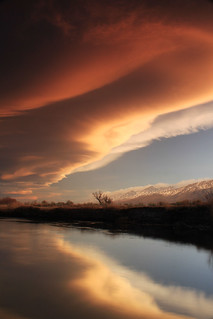 Sierra wave over the Owens river