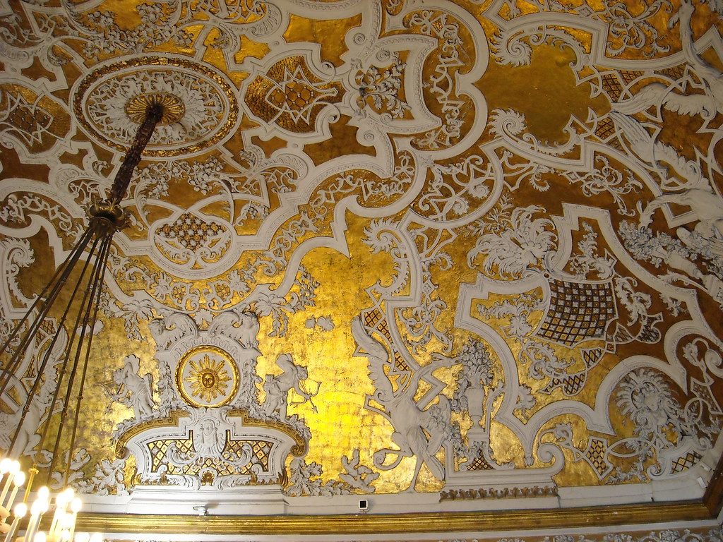 gold and white wallpaper for walls
