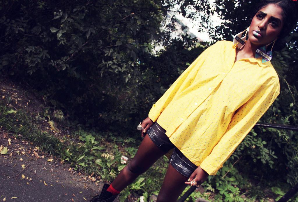 Mahoyo Vintage: Yellow Polkadot Shirt