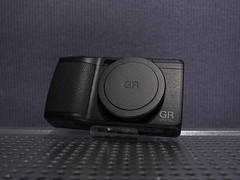 RICOH GR DIGITAL IV (Black)