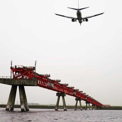 着陸する飛行機 #ヤマハマリン #勝どきマリーナ