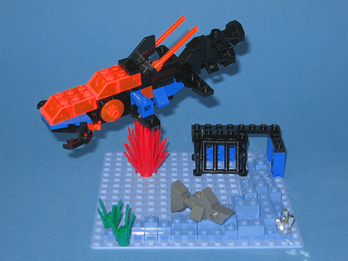 Micro version of Aquazone set 6190 - Shark's Crystal Cave