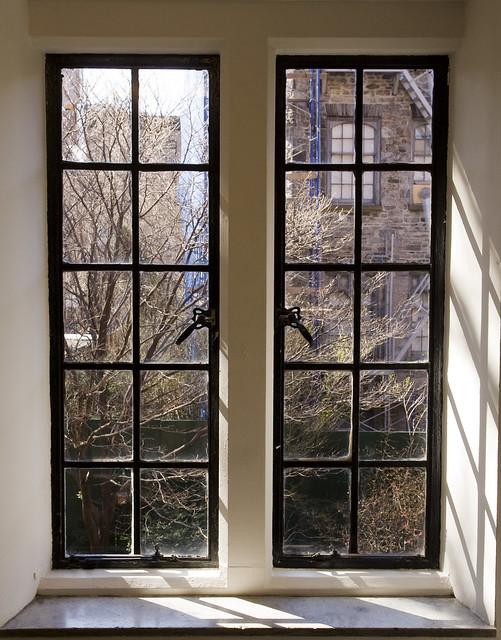 365.192 Window