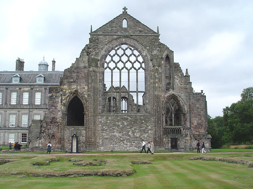 Holyrood Abbey - western crossing by plantationsamidstsavagery