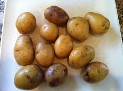 langsat(0.0), plant(0.0), fruit(0.0), vegetable(1.0), potato(1.0), produce(1.0), food(1.0), root vegetable(1.0), tuber(1.0),