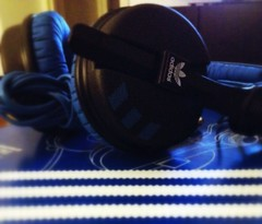 electronic device, gadget, blue, headphones,