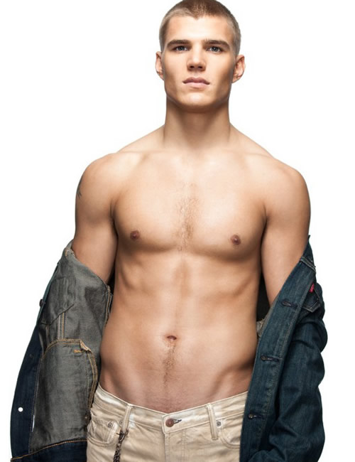 chris-zylka-shirtless