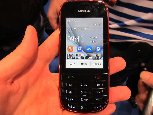 Nokia Asha 202 - Front