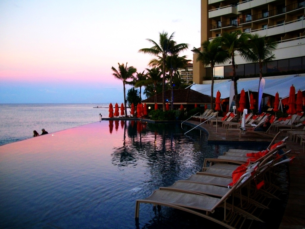 Infinity pool at the Sheraton Waikiki