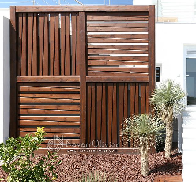 Biombo en madera tratada estructura de madera de pino for Biombos para jardin