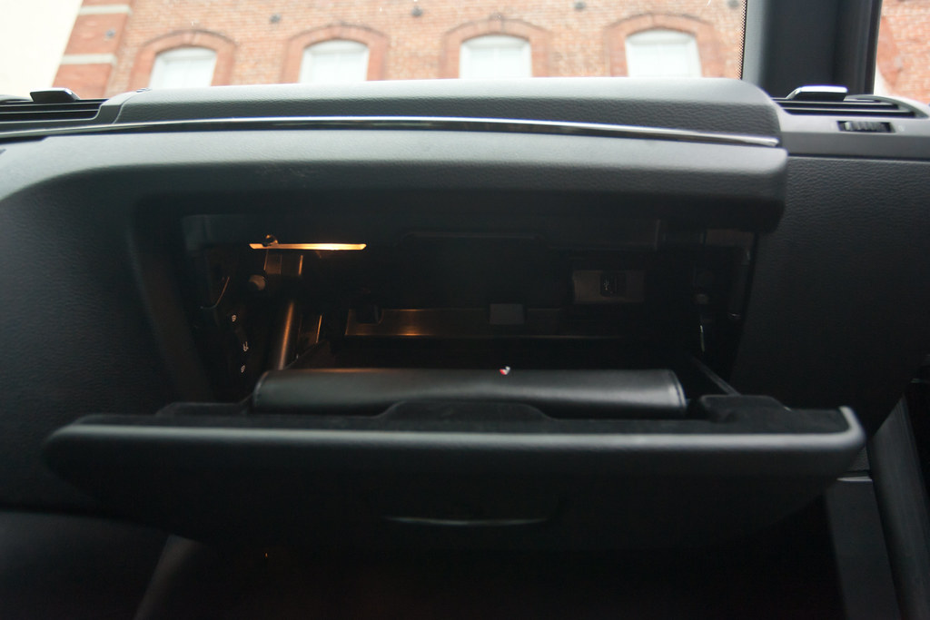 Usb Plug In Glove Box