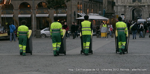 Hop ! Par la compagnie Fracasse de 12 @ Urbaines 2012, Rennes-12