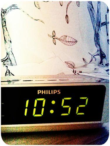 星期六早安° 滿腦子好多好多事,睡到中午12:00的目標宣告失敗° 228連假啟動=宅日子啟動!! by 南南風_e l a i n e