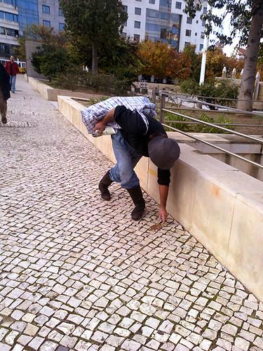 Peekaboo #1 by Grão Difuso