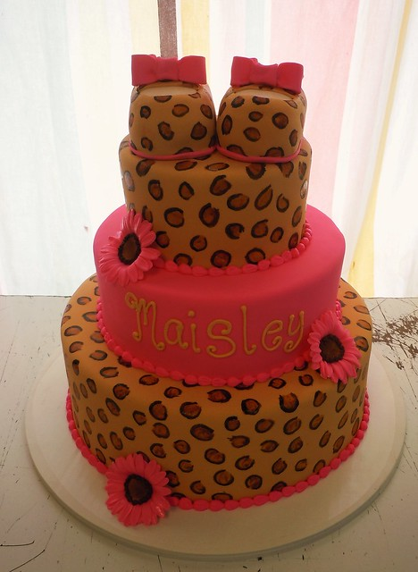 Cheetah Print Baby Shower Theme http://www.flickr.com/photos/amandas_caketastic/6808316064/