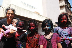 street photographers add extra color to holi shot by marziya shakir 4 year old by firoze shakir photographerno1