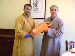 Thu, 17/03/2011 - 15:19 - Shaolin temple shi deyang blessing and honoring shifu kanishka for introducing shaolin kungfu in india since year 2001 .