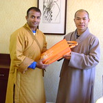 Thu, 17/03/2011 - 15:19 - Shaolin temple shi deyang blessing and honoring shifu kanishka for introducing shaolin kungfu in india since year 2001 .