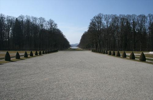 Sichtachse - Brunnenseite Schloß Herrenchiemsee