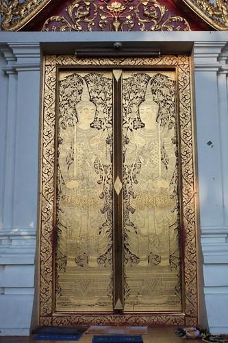 20120121_2126_Wat-Pra-Singh-stencilled-doors