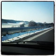 Nous nous approchons de Toulouse, la neige est toujours là