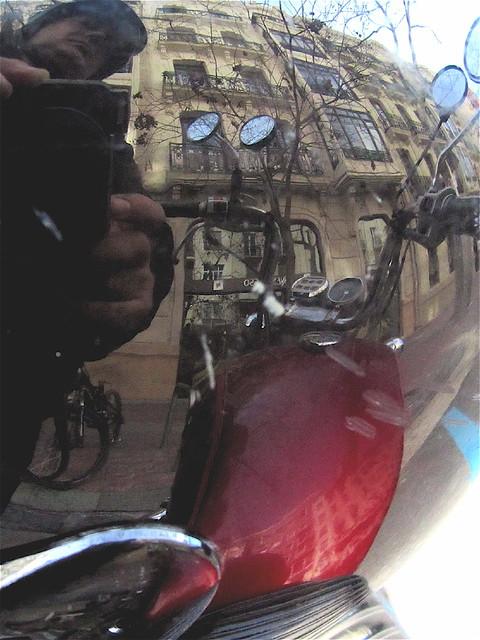 Autorretrato en el casco