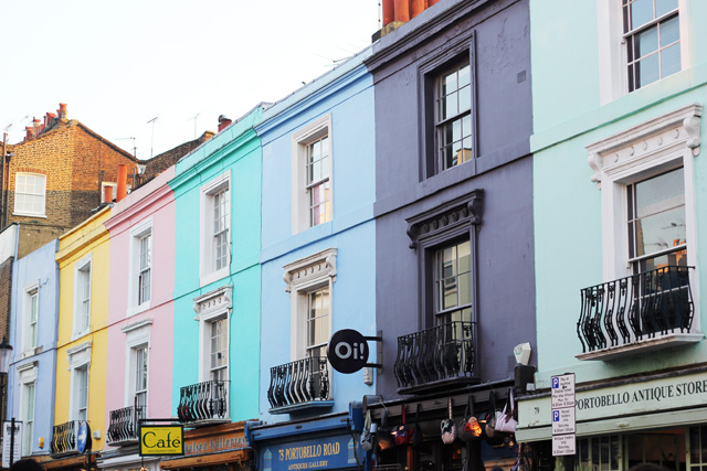 multi coloured houses notting hill