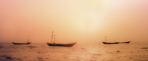ocean africa light sunset sky copyright orange mer seascape west landscape boat photo twilight sonnenuntergang room ile zee atlantic morocco maroc 1992 bateau paysage plage 夕日 海 crepuscule wheater marokko loos pirogue coucherdesoleil meteo photographe oceaan kassa 海洋 conakry guinée morokko roum atardacer ωκεανόσ roumé aminefassi