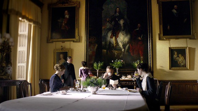 DowntonAbbeyS01_diningroom