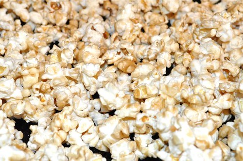 popcorn with maple syrup & salt 11