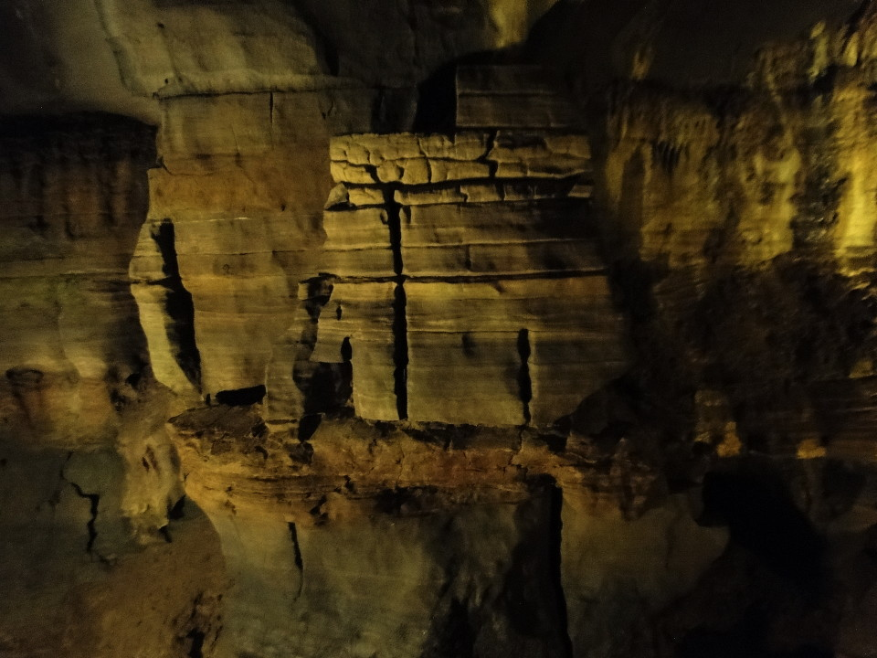 75-2apr12_3066cave_Adirondacks_Howe_Caverns_Cobleskill