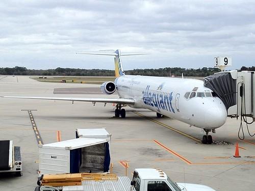 Allegiant Air MD-83 N878GA