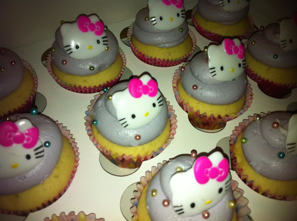 Hello Kitty Hula Pie Mint Chocolate Chip Gingerbread Spice Cupcakes And Cupcake Push Pops By Kapaa Hawaiis Sugar Mill
