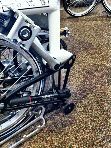 Easy wheels on brompton