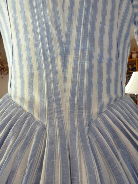 Blue striped linen gown, 1770-1780