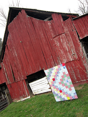 a pretty red barn...  and a quilt.