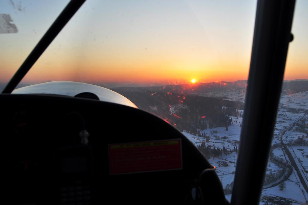 Suceava, Vatra Dornei - Aerodromul Floreni (LRFL) - Pagina 6 6990574689_1735eb9f96_o