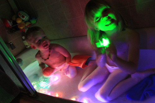 GlowInTheDarkBath 003